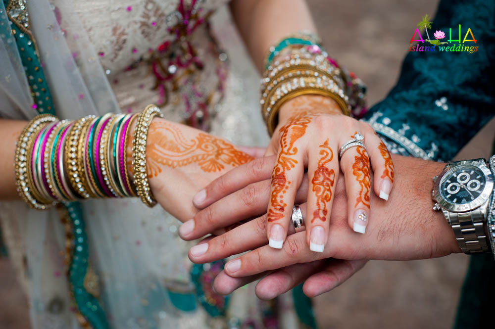 the hands of a Indian bride