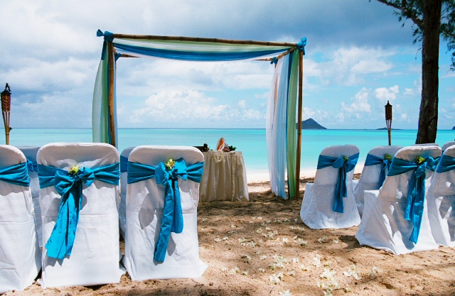 theme blue green and white material on the bamboo beach arch