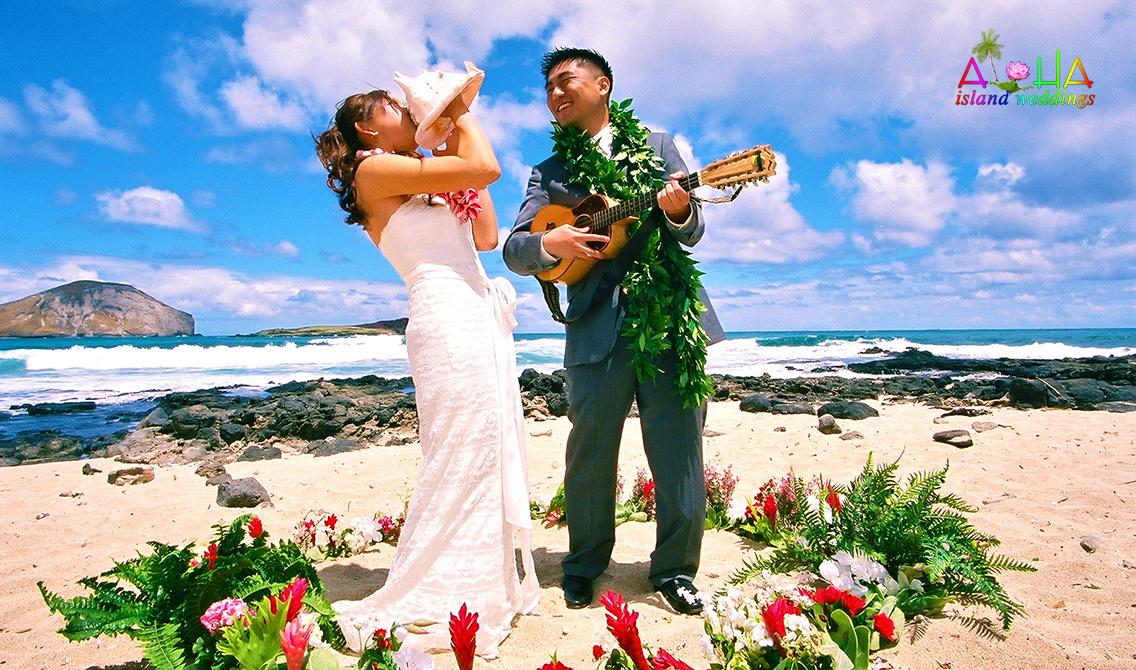 hawaii weddings flower circles on the beach in hawaii. Black Bedroom Furniture Sets. Home Design Ideas